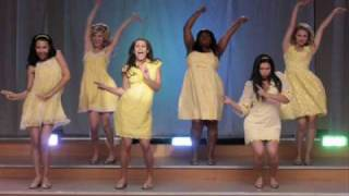 GLEE Girl's Mash-Up Halo/Walking on Sunshine
