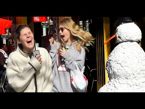 SCARY SNOWMAN Hidden Camera Practical Joke 2017 FULL SEASON 26 Mins