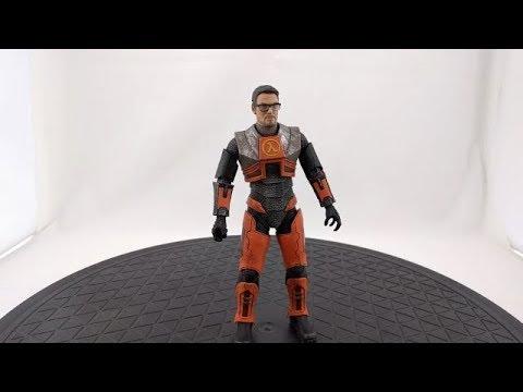 Half-Life 2 Gordon Freeman Action Figure (Reissue) By NECA (part 1 Of 2)