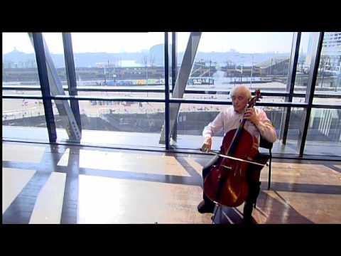 Dimitri Ferschtman - J.S. Bach/ uit: Suite nr. 1 - Menuet