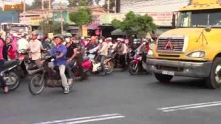 Tai nạn thảm khốc tại đường ĐT 743, phường Bình Hòa, TX Thuận An, Bình Dương-