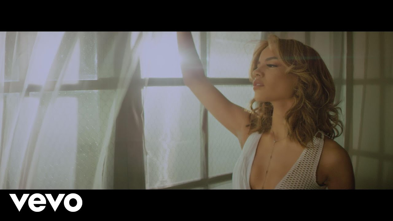 Leslie Grace - Aire (Official Video) ft. Maluma