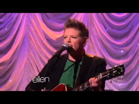 Natalie Maines Performs 'Without You'2846
