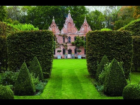 Nicky Haslam's Garden at Odiham Hunting Lodge