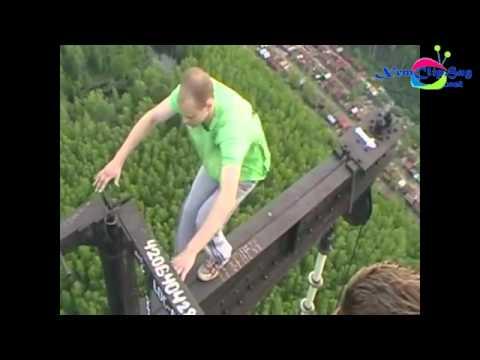Buổi tập thể lực mạo hiểm nhất thế giới trên độ cao chót vót
