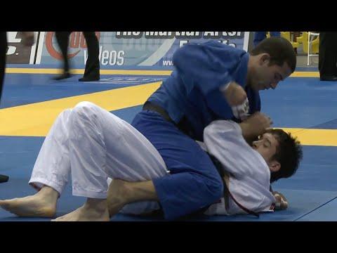 """Augusto """"Tanquinho"""" Mendes VS Spenser Gilliam / Pan Championship 2013"""