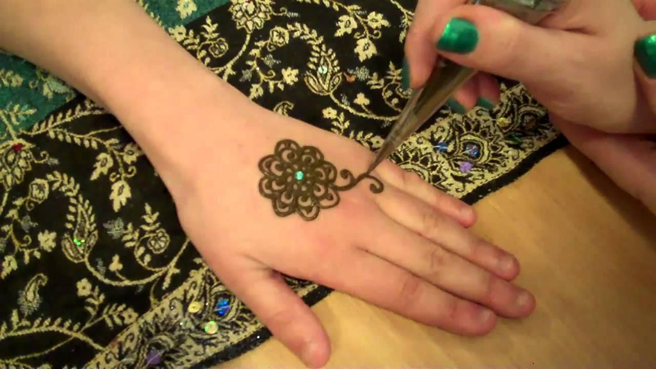 Small Flower Mehndi Designs : Hennacat henna demonstration small flower youtube