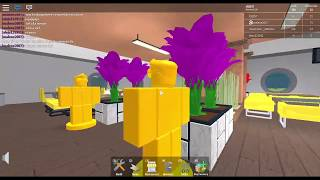 GOING ON THE ROOF! Restaurant Tycoon Ep. 5 -Roblox