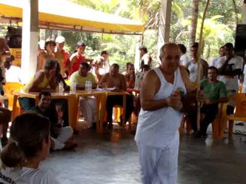 Professor Mico CDO Mestre Suassuna cantando tem que ter axe