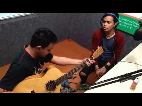 rama eru feat charly Vanhouten   Memeluk angin Visit Radio Lampung
