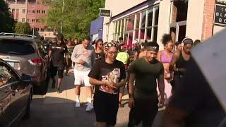 Detroit running club gives awa…