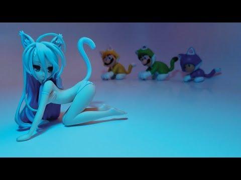 Weird Neck Neko Shiro Figurine