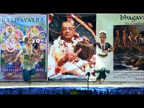 2011 Rathayatra - Dance - Nadia and Kalyani - 3/8