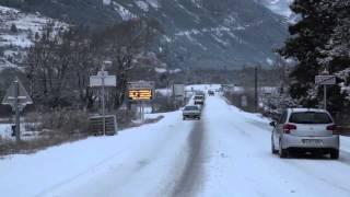 Hautes-Alpes : Chutes de neige à Guillestre