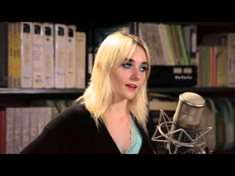 Jessica Lea Mayfield Standing In The Sun