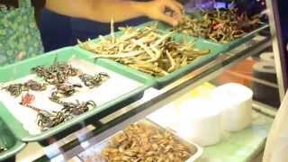 Паттайя. Тайская еда.  (Скорпионы, Мухи, Личинки, Саранча, Кузнечики и Лягушки)