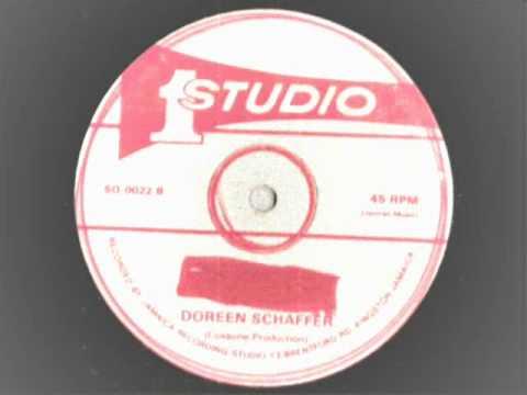 doreen schaffer - try a little smile - 12 inch studio 1