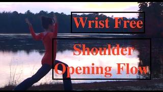 YOGA: Wrist Free Standing Flow: Shoulders - LauraGyoga