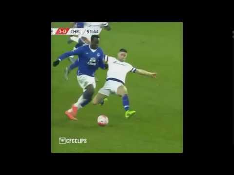 Gary Cahill amazing tackle vs Lukaku