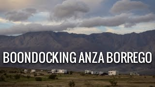 In this week's episode, we continue our stay in the Anza Borrego de...