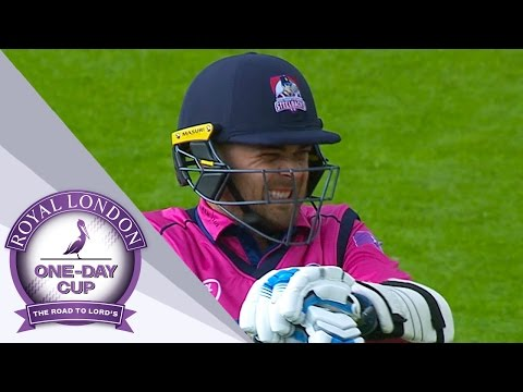 Outstanding Win For Warwickshire Over Northamptonshire - Royal London One-Day Cup 2017
