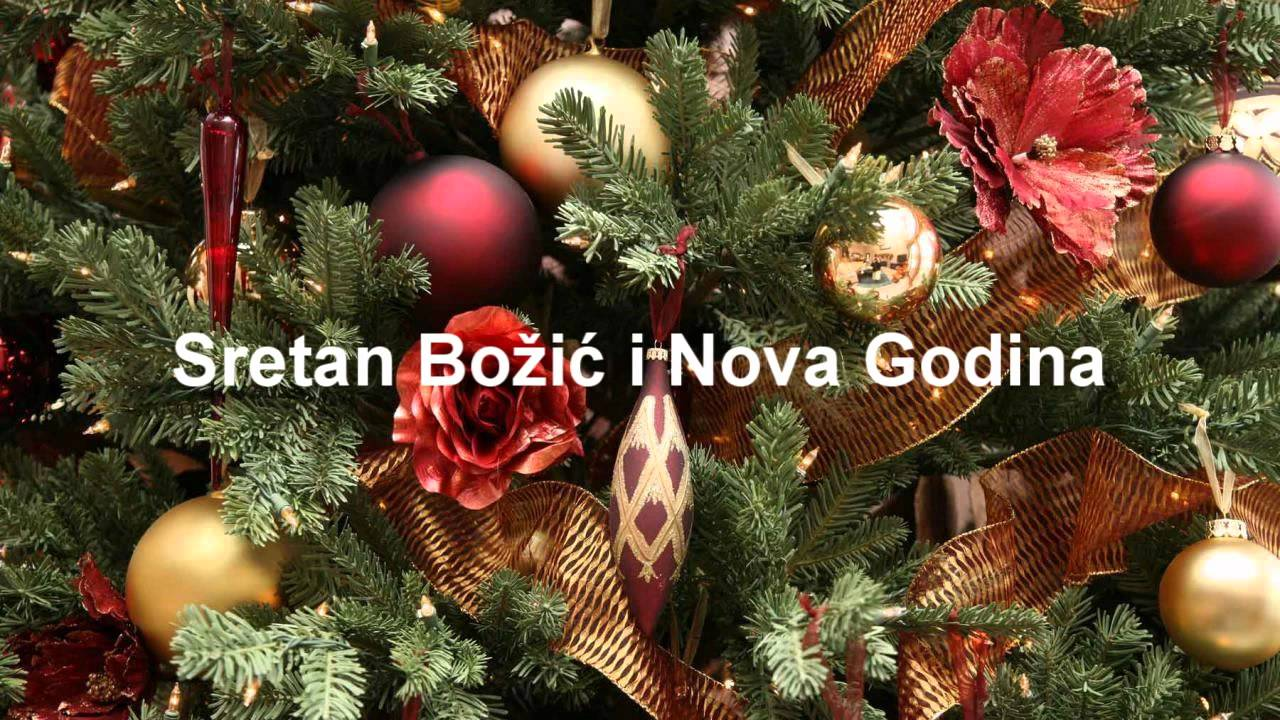 Yarn Hat Holiday Ornaments: Free Video Tutorial.