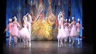 Download П Чайковский  Вальс цветов из балета Щелкунчик Mp3 and Videos