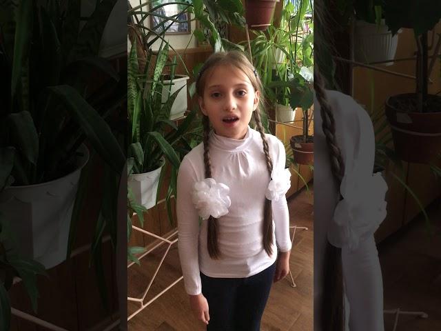 Изображение предпросмотра прочтения – АлисияВороная читает произведение «О, слезы на глазах!...» М.И.Цветаевой