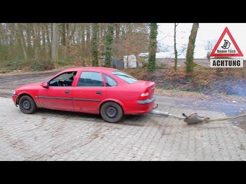 Auto ohne Auspuff fahren - Soundcheck | Dumm Tüch