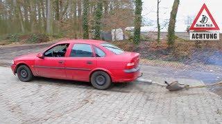 Auto ohne Auspuff fahren - Soundcheck | Dumm Tüch Opelix