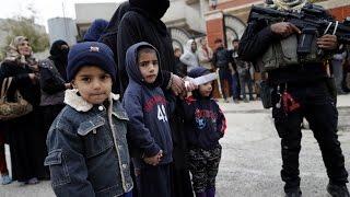 أخبار عربية - 80 ألف شخص نزحوا من حلب الشرقية نتيجة استمرار القصف