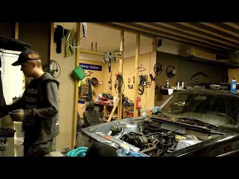 Volvo 240 D24 engine removal