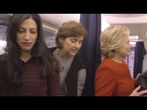 Hillary Clinton does the'Mannequin Challenge'