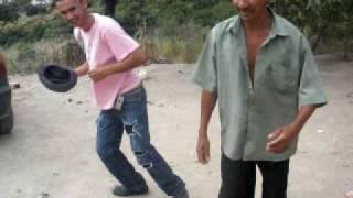 Macinho dançando Ponto dos volantes