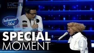 Video Ayu shalawatan dengan Kang Armand! - Spekta Show Top 7 - Indonesian Idol 2018 download MP3, 3GP, MP4, WEBM, AVI, FLV Oktober 2018