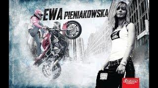 ポーランド美人のEwa Pieniakowskaさんのエクストリームシーンを集め編...