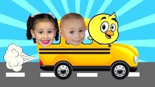 As rodas do ônibus giram giram - The Wheels On The Bus   Rimas de berçário