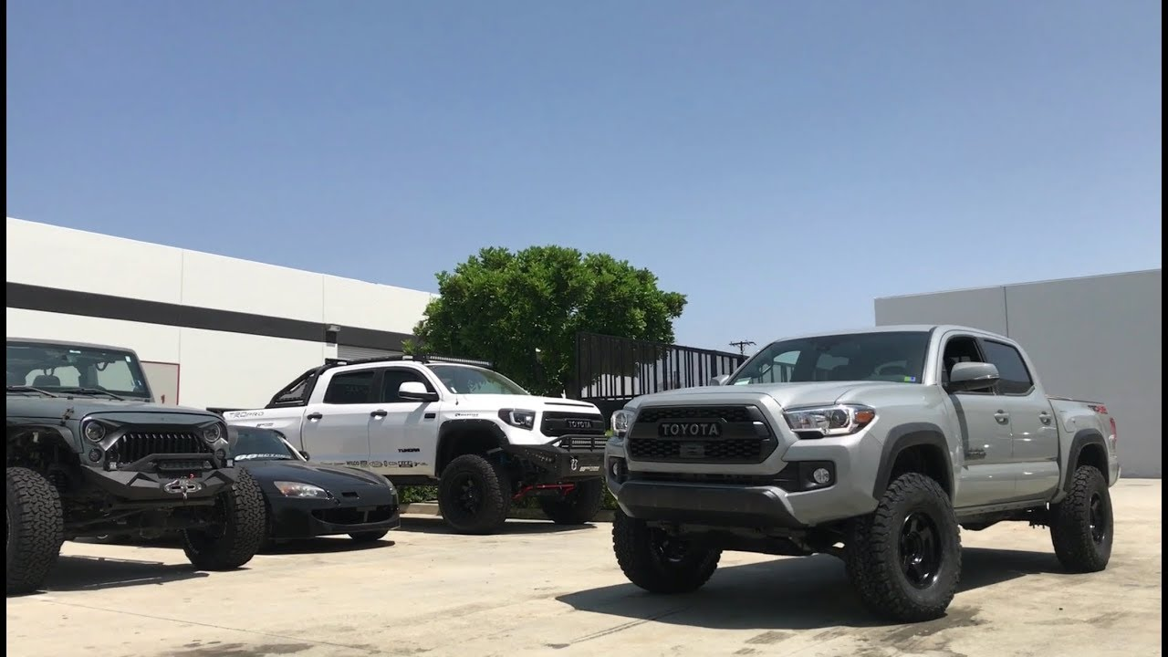 Cement Grey Tacoma on 33's with Fox Suspension & Camburg UCA