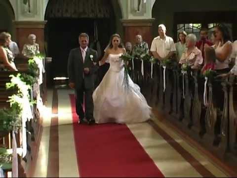 70e157aa42 Nóra & Csaba templomi bevonulás Bonyhád. - YouTube