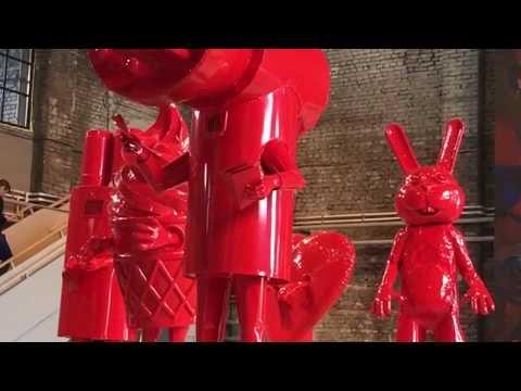 Индустриальный пленер в музее уличного искусства с использованием ручных красителей Düfa