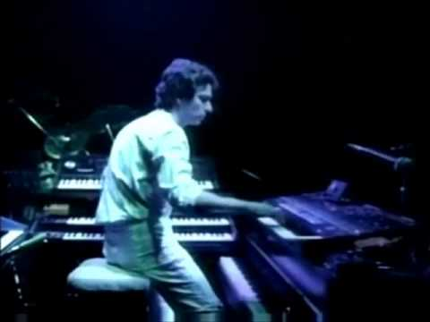 GENESIS LIVE - Tony Banks solos.wmv