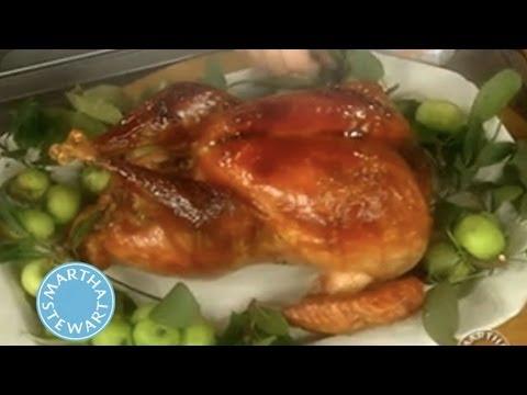 Turkey Gravy | Thanksgiving Recipes | Martha Stewart