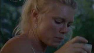 Peta Wilson - Two Twisted Part 1...