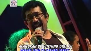 Video Hamdan ATT - Keruntuhan Cinta (Official Music Video) download MP3, 3GP, MP4, WEBM, AVI, FLV Oktober 2018