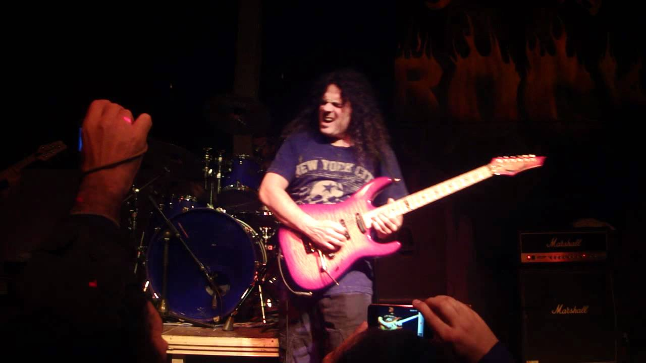Vinnie Moore 3 Diciembre Sevilla While My Guitar Gently