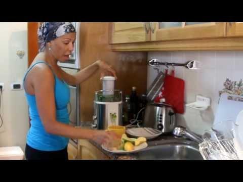 Anti Cancer Fighting Juice  - Raw Food Green Juicing with Dorivee Breast Cancer Survivor