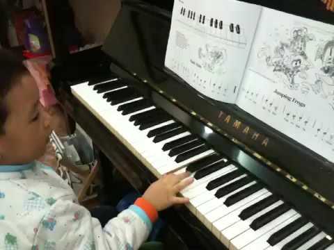 Pi choi piano sau khi hoc duoc 3 ngay