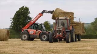 ramassage du foin 2017 2 télescopiques et 4 tracteurs