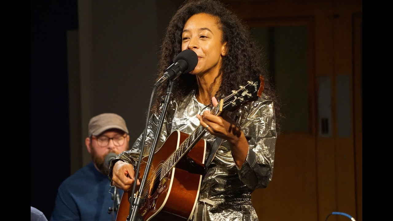 Download Corinne Bailey Rae - 'Like A Star' I The Bridge 909 in Studio