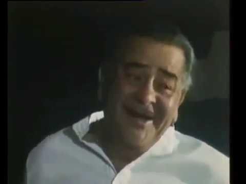 Awara hoon..........Awara............Rajkapoor singing to his grandkids